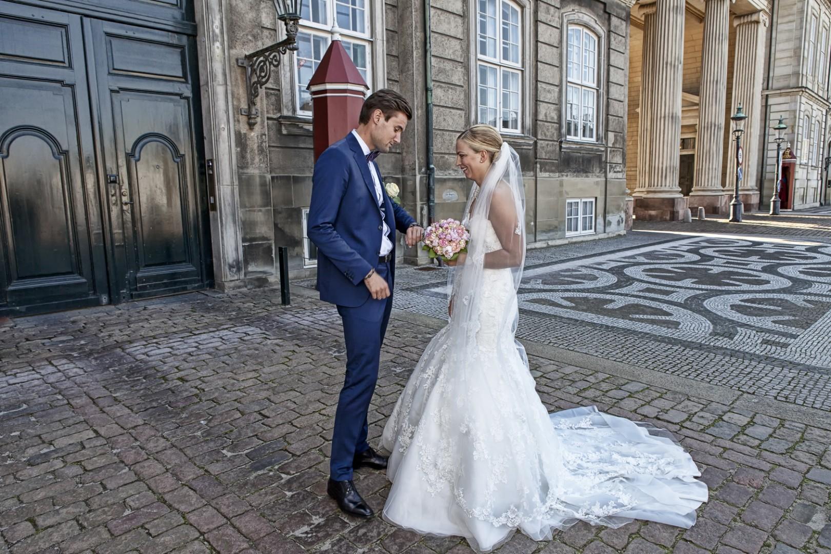 - Bryllup -